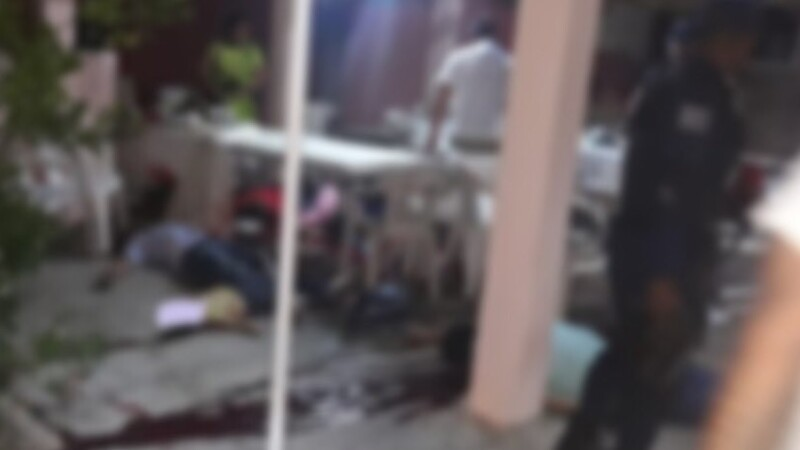 Masacru în timpul unei petreceri private. 13 persoane au fost ucise cu sânge rece