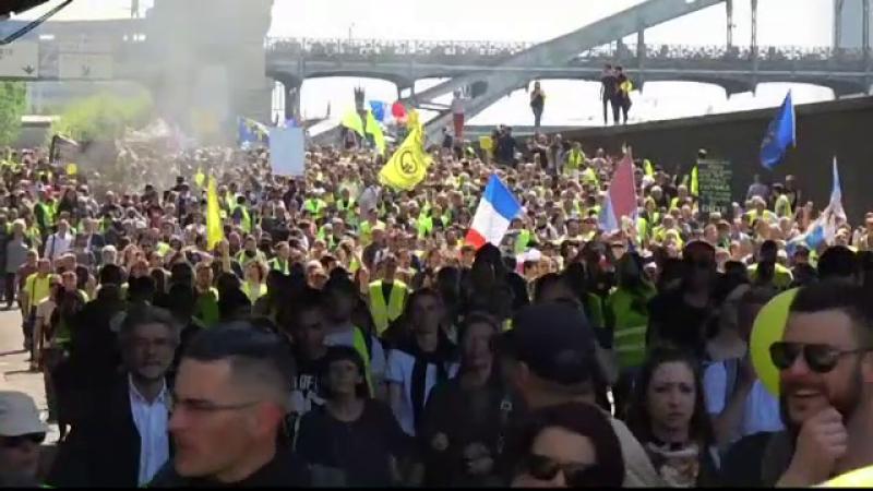 Violențe în Paris, în timpul protestelor Vestelor Galbene. Cum a ripostat poliția