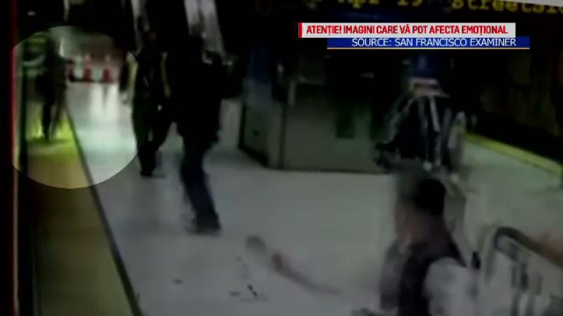 Momentul în care o femeie a ajuns pe șine, după ce și-a prins mâna în ușile metroului