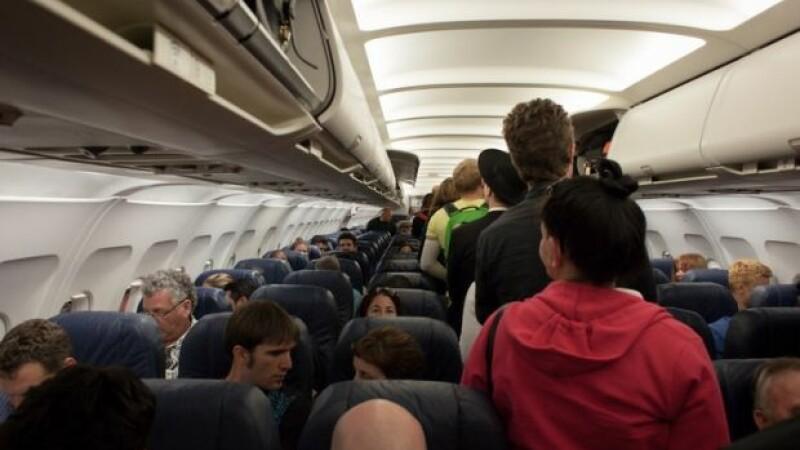 Ce se întâmplă dacă nu-ți setezi telefonul în Modul Avion atunci când urci la bord?