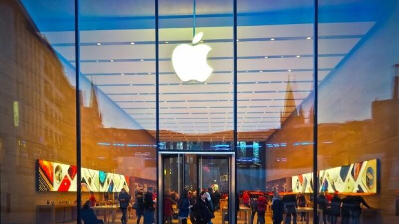 Un student dă în judecată Apple și cere daune de 1 miliard de dolari. Ce-a pățit