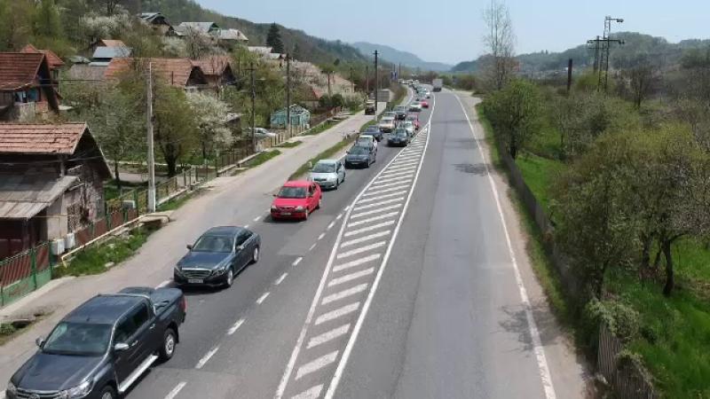 Cozi de zeci de kilometri pe Valea Prahovei