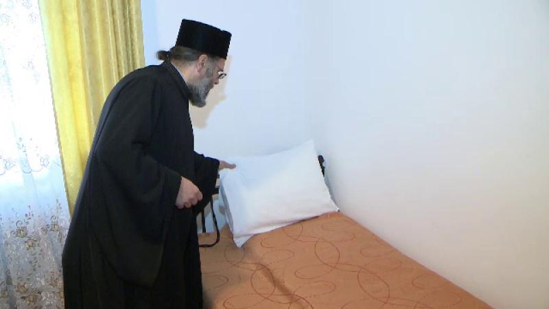 Cazare la biserică de Paște. Mulți credincioși aleg să petreacă Sărbătorile la mănăstire
