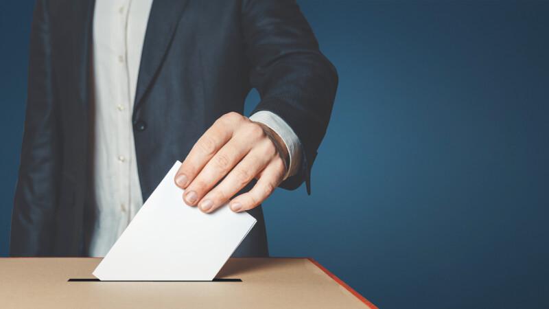 Începe campania electorală pentru europarlamentare. 13 partide şi 3 independenţi intră în cursă