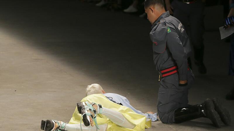 Moment șocant. Un model a murit pe podium, în fața spectatorilor. VIDEO