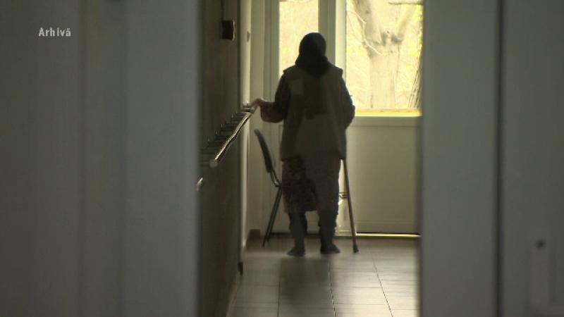 Focar de infecție la un cămin pentru bătrâni din Orăștie. 23 din 30 de bătrâni au COVID-19