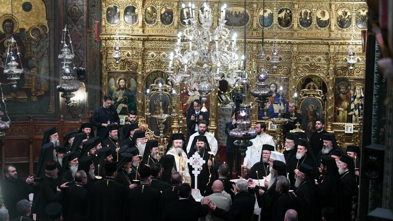 Cum vor preoții din România să alunge pandemia de Covid-19. Rugăciune specială în noaptea de Înviere