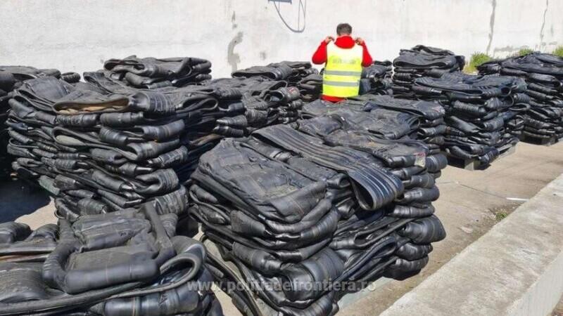 Un container cu 25 de tone de deşeuri din cauciuc sosit din Marea Britanie, găsit în Portul Constanţa
