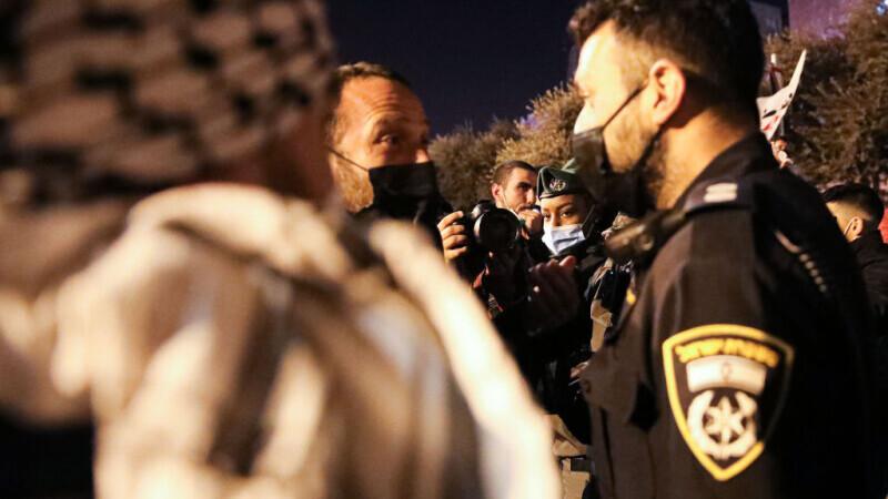Peste 100 de răniţi în urma unor ciocniri violente în cursul nopţii la Ierusalim