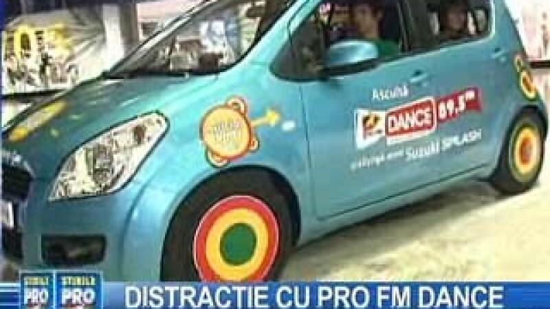 Patru tineri s-au instalat la bordul ProFM Dance Official Party Car