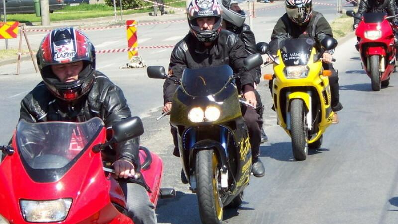 Motociclişti
