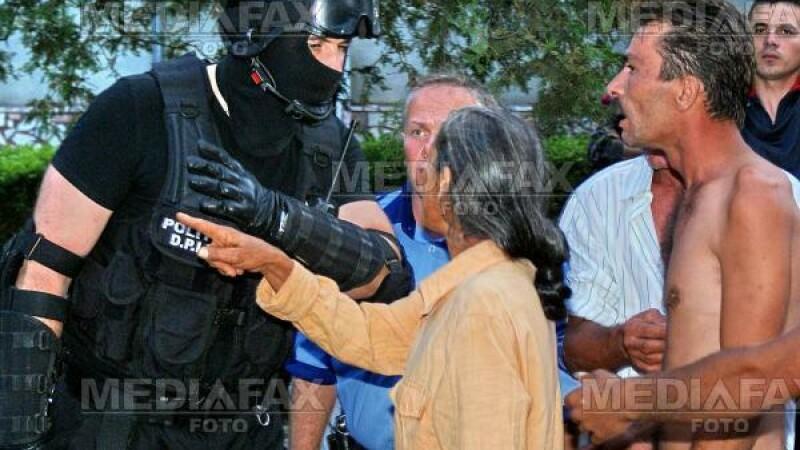 Forţele de ordine, solicitate să intervină tot mai des la conflicte în care sunt implicaţi ţigani