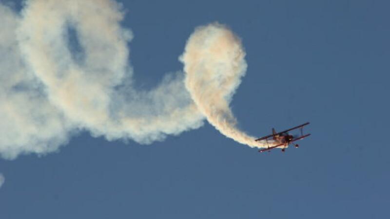 Acrobaţii aviatice la aerodromul de la Ghimbav!