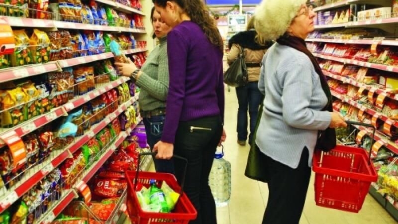 Afla cate MILIARDE DE EURO au lasat romanii in hipermarket, in 2010