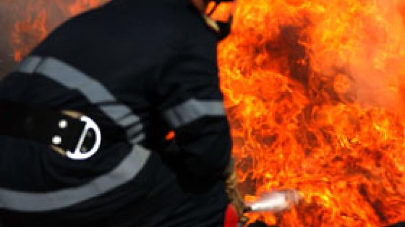 Un incendiu devastator a izbucnit in cladirea Parlamentului din Cairo