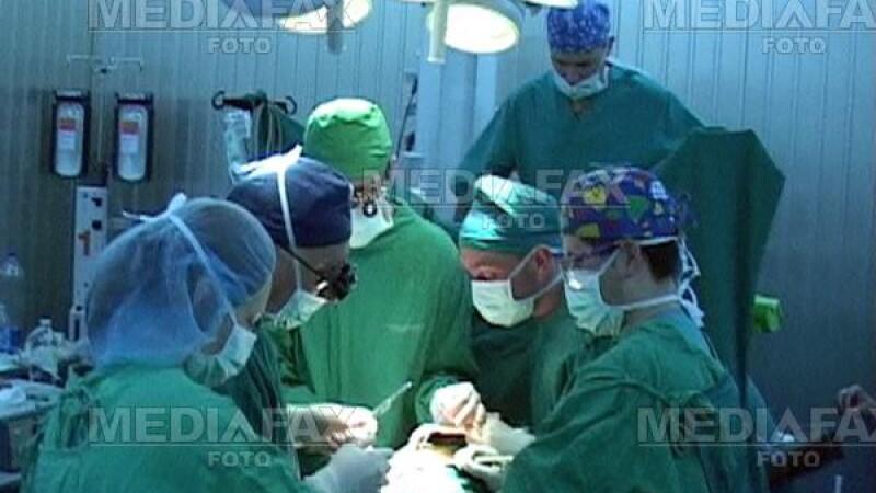 Zeci de spitale din Romania folosesc ata chirurgicala nesterila din China