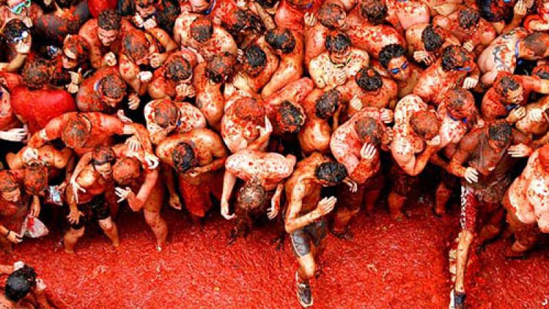 Incepe Tomatina: cea mai mare bataie de rosii din lume!