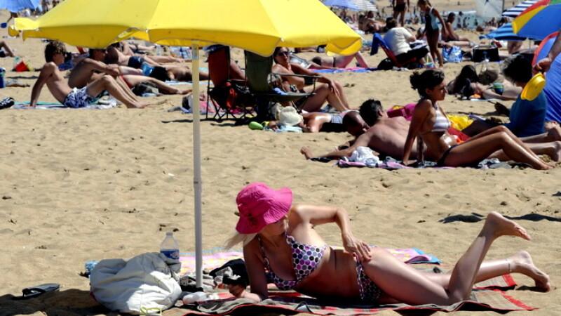 Plaja, turisti,