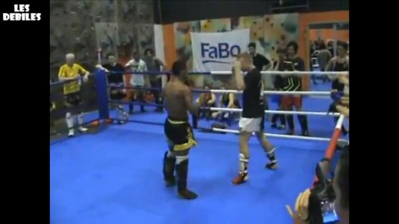 K.O. impresionant la box thailandez. VIDEO