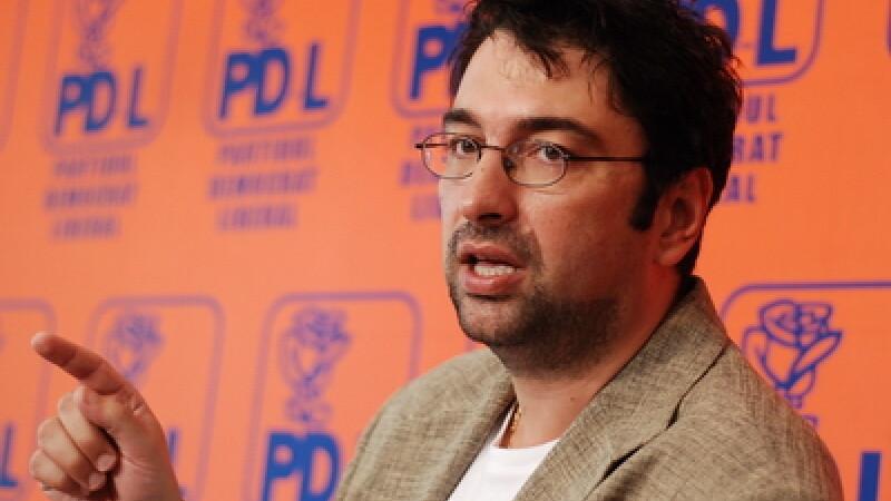 Voinescu: Parlamentarii PDL vor fi prezenti la motiunea de cenzura, dar nu vor vota