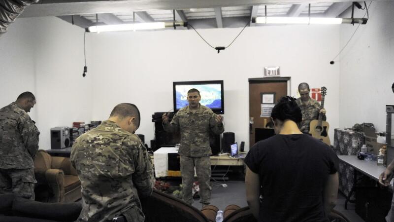 Trei soldati NATO au fost ucisi de un barbat imbracat in uniforma armatei afgane