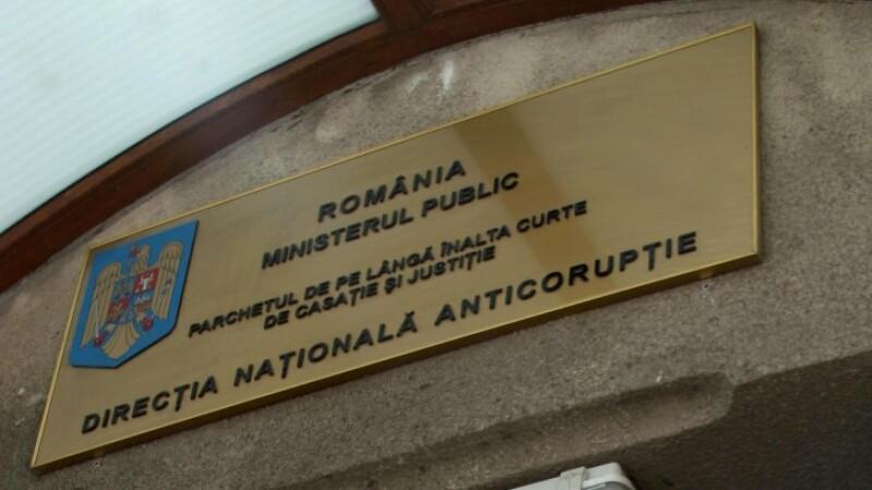 Perchezitii la Prefectura Suceava, intr-un dosar privind gestionarea abuziva de fonduri
