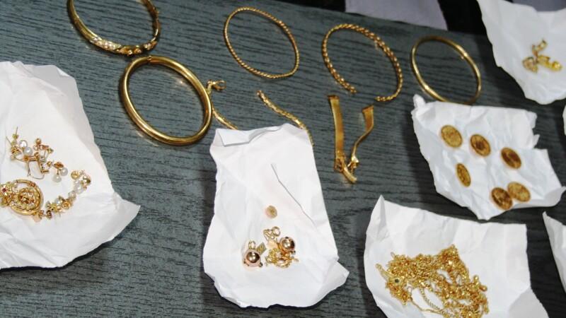 bijuterii confiscate