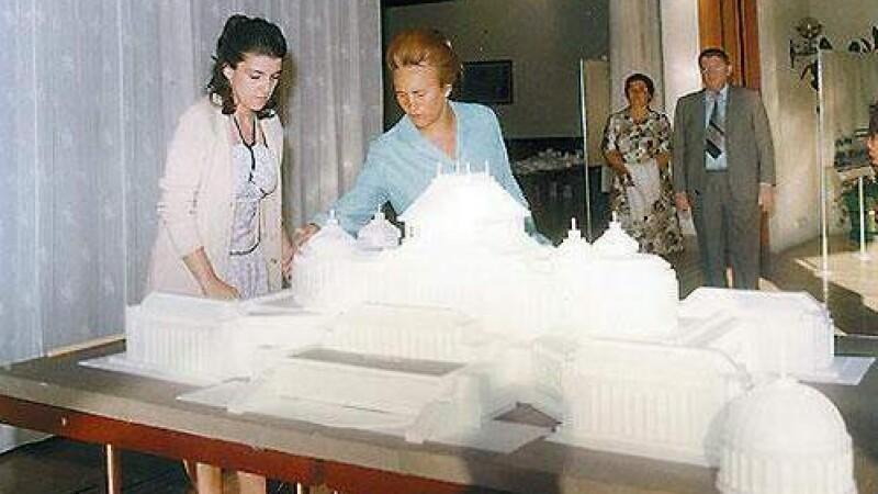 Anca Petrescu si Elena Ceausescu