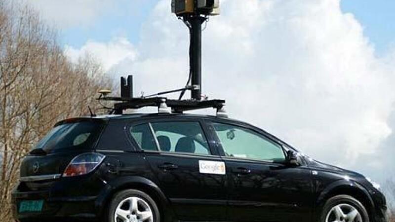 Imagini uimitoare surprinse de Google Street View. E pentru prima data cand pozeaza asa ceva