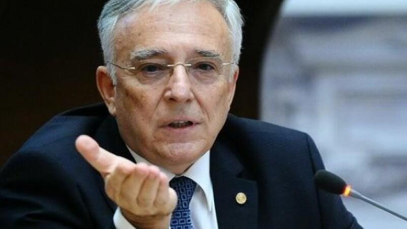 Mugur Isarescu a dezvaluit ce salariu are. Cat castiga lunar guvernatorul Bancii Nationale a Romaniei