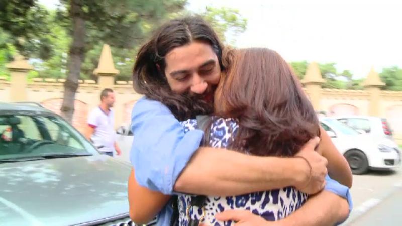 Revederea emotionanta dintre Max si mama care l-a abandonat in urma cu 26 de ani. Care e primul lucru pe care i l-a spus