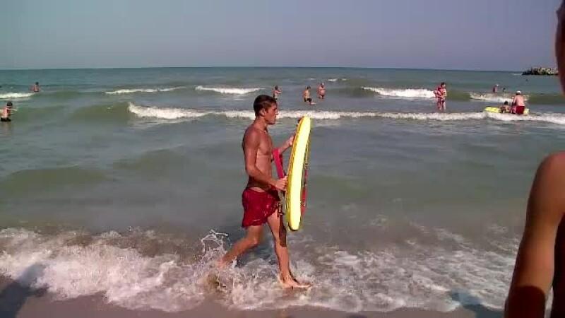 Trupurile tinerilor de 17 ani care s-au inecat pe litoral, aduse la suprafata. Cei doi ignorasera avertismentul salvamarilor