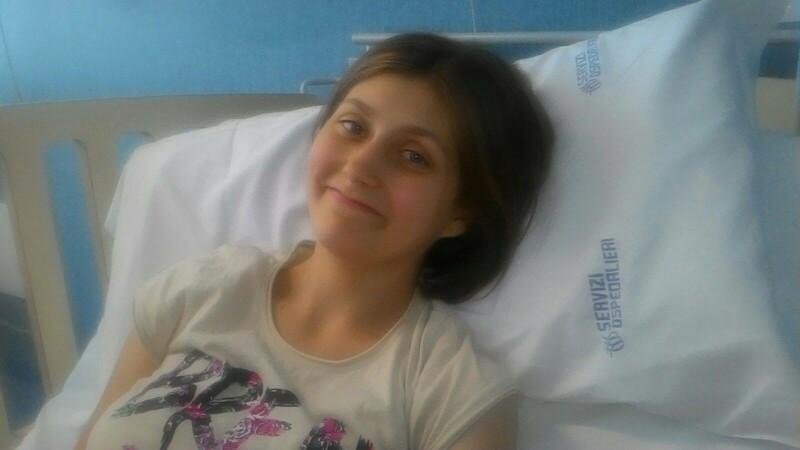 La doar 16 ani a fost diagnosticata cu leucemie, iar viata i s-a schimbat brusc. Cum o puteti ajuta sa traiasca
