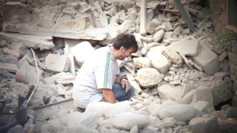 Cutremur in Italia. Bilantul victimelor a fost revizuit la 250 de morti. Cursa contracronometru pentru echipele de salvare