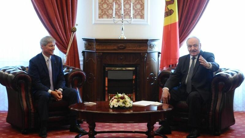 Vizita a premierului Dacian Ciolos in Republica Moldova. Investitiile promise de Guvernul roman