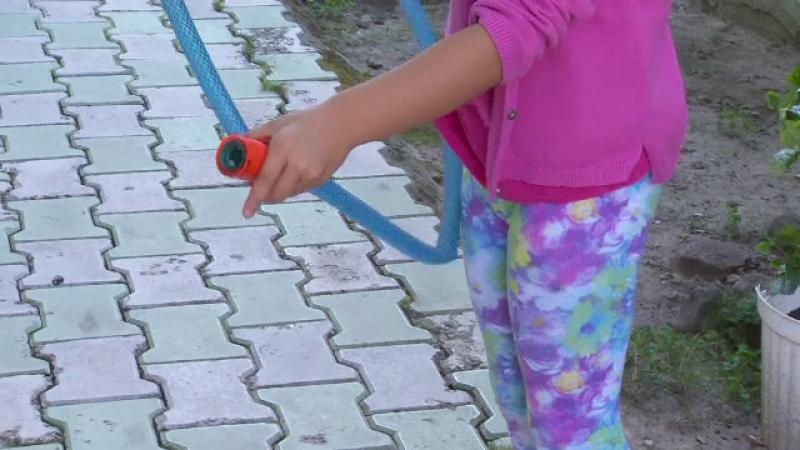 Un incident stupid a dus la o tragedie in Galati. Un baietel de 5 ani a murit, in timp ce se juca impreuna cu sora lui