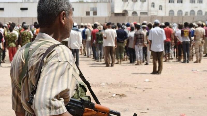 Atentat sinucigas produs la un centru de recrutare al armatei din Yemen: cel putin 60 de morti si 60 de raniti