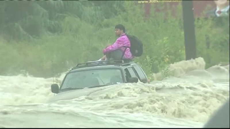 sofer, sua, texas, apa, inundatii,