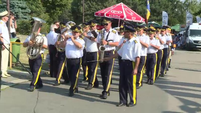 Ziua Marinei în Herăstrău. Cadoul care i-a scandalizat pe bucureșteni