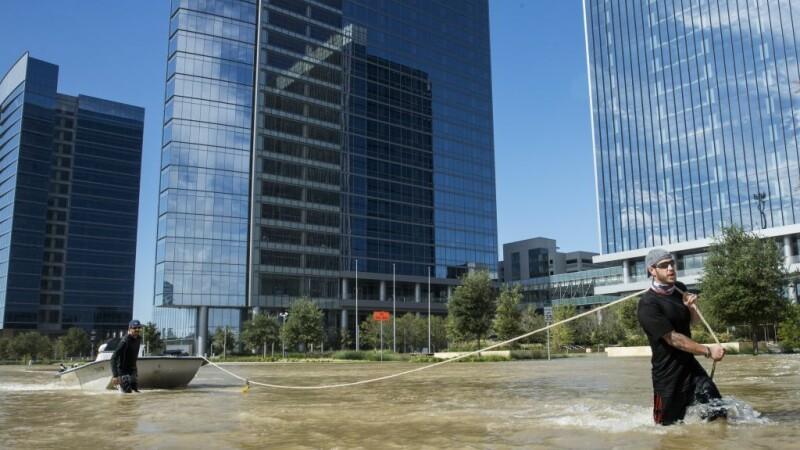 salvatori in Houston dupa uraganul Harvey