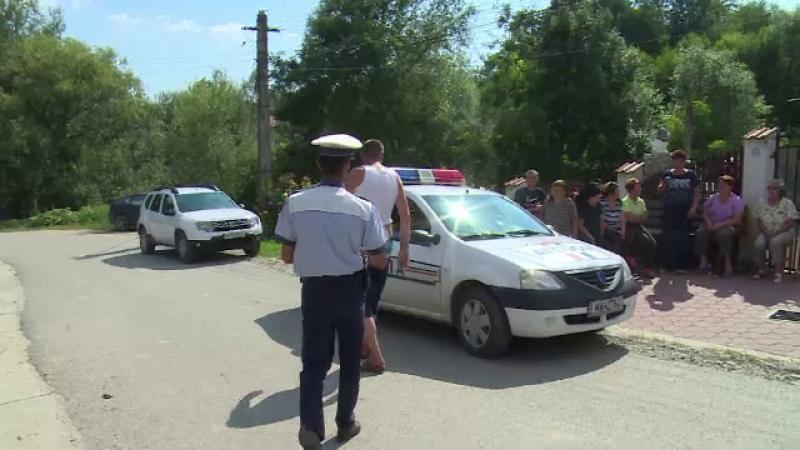 Un inginer de 48 de ani din Dâmboviţa s-ar fi sinucis. A fost doborât de moartea mamei