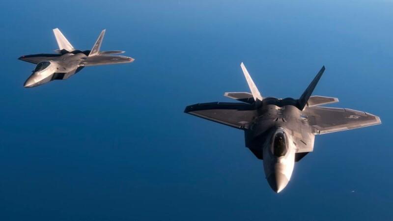 Avioane F-22