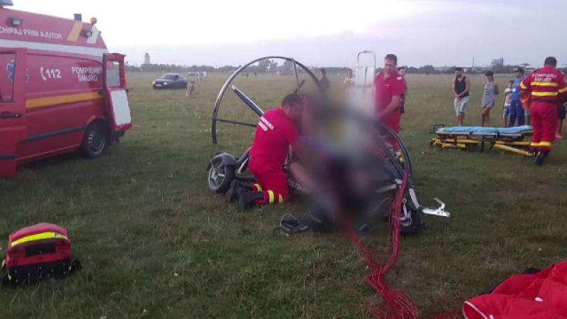Doi parapantiști, de 38 şi 42 de ani, grav răniţi într-un accident produs în timpul unui zbor de agrement