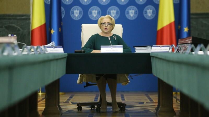 Viorica Dancila conduce sedinta de guvern in care se discuta rectificarea bugetara