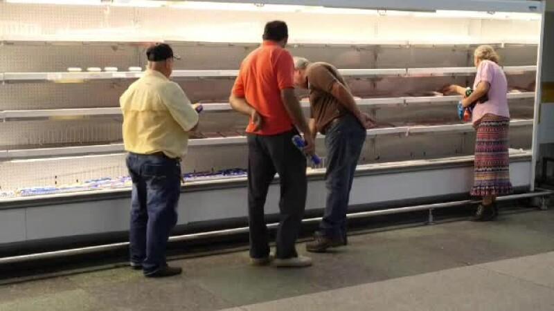 In Venezuela se va instaura foametea in masa. Cat de scumpa e o cutie cu smantana