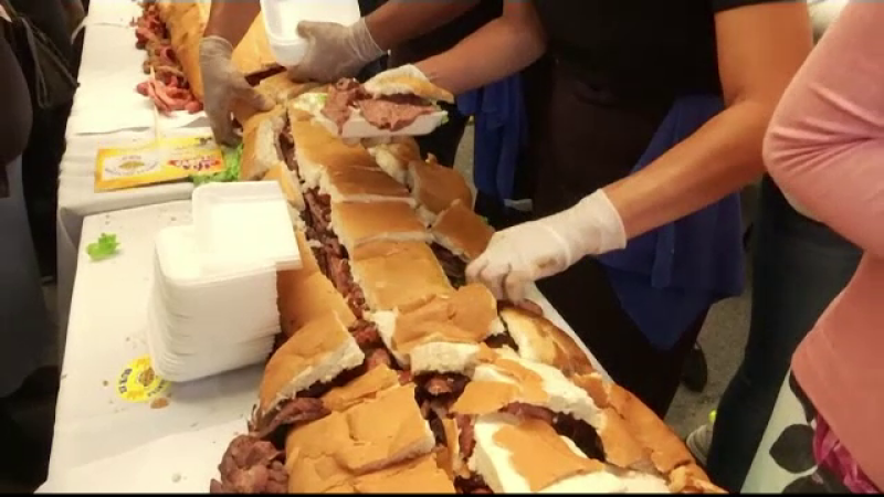 Țara care și-a doborât propriul record. Cum arată sandviciul de 73 de metri