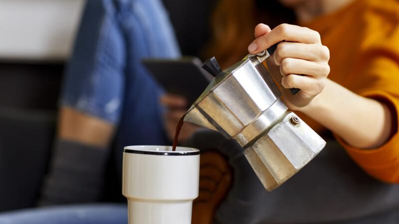 I se făcea rău de fiecare dată când soțul îi pregătea cafeaua. Șocul trăit de femeie