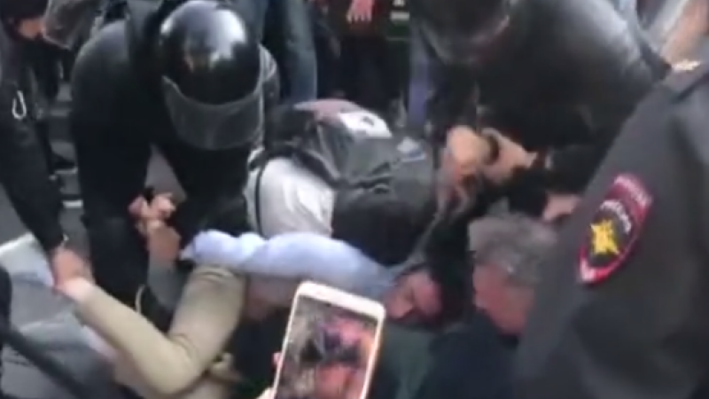 rusia, proteste, bataie, strada, opozitie, politie,