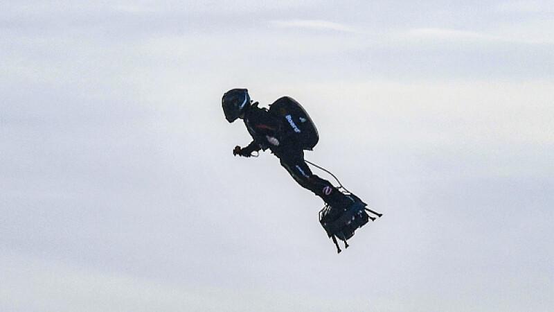 """Performanță incredibilă: """"Omul zburător"""" a reușit să traverseze Canalul Mânecii - 15"""