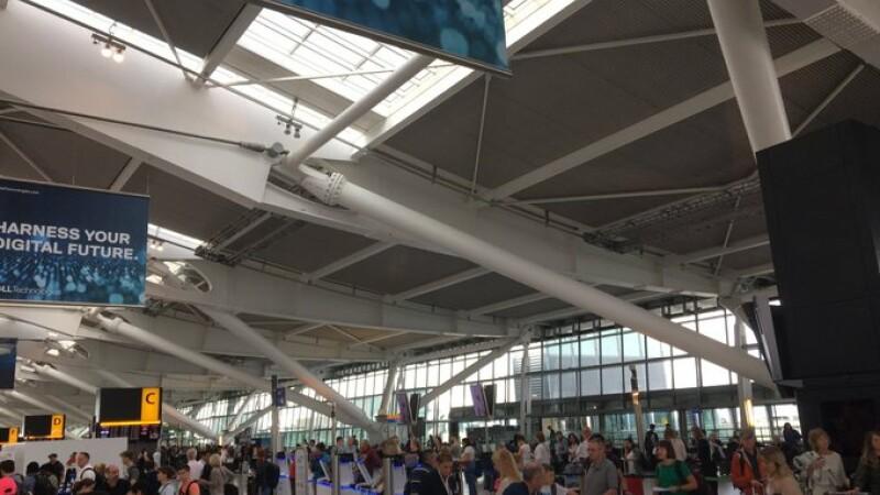Avioane British Airways, ținute la sol din cauza unor erori de sistem